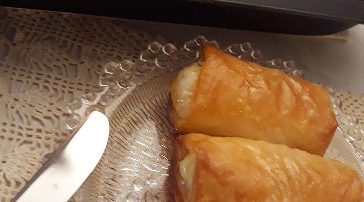 Συνταγή για λαχταριστά ρολάκια γαλακτομπούρεκο!
