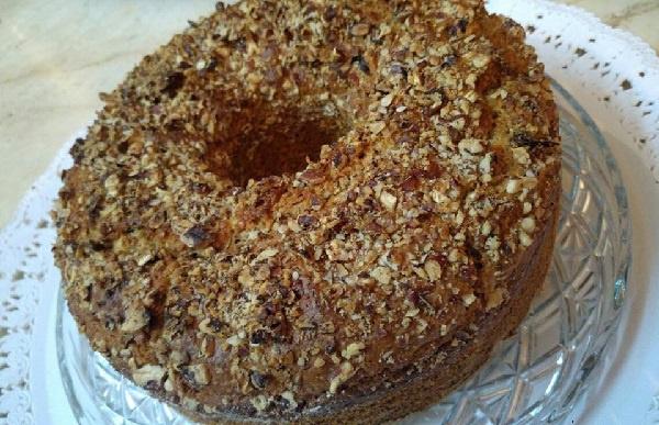 Νηστίσιμο κέικ με αλεύρι ολικής άλεσης, μέλι, κανέλα και καρύδια!