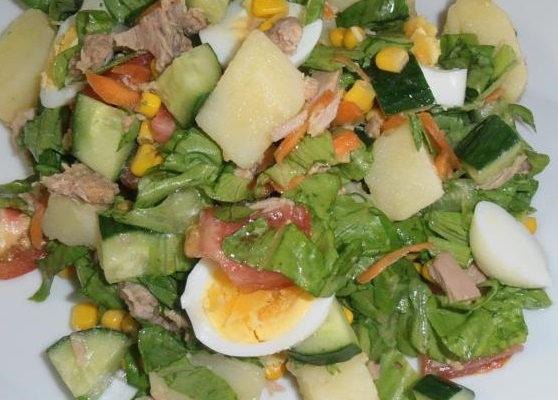 Συνταγή-βίντεο: Σαλάτα με πατάτες, παντζάρια και τόνο