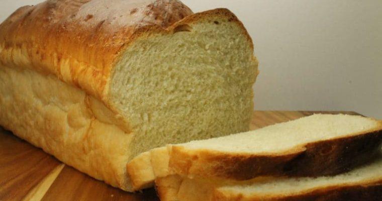 Συνταγή για σπιτικό ψωμί του τοστ!