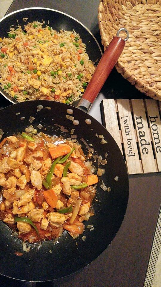 Συνταγή για Sweet & Sour Κοτόπουλο και Chinese Egg Fried Rice με λαχανικά