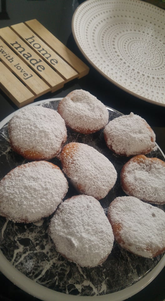 ΣΥΝΤΑΓΗ για homemade Donuts με γέμιση nutella ή μαρμελάδα κεράσι!