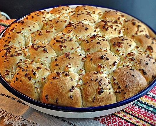 Συνταγή για αφράτα ψωμάκια – Milinki με φέτα!