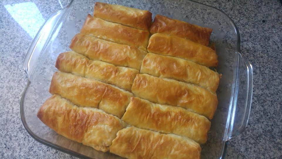 Συνταγή για ρολάκια με φύλλο κρούστας, αναρή, κανέλα και σιρόπι!